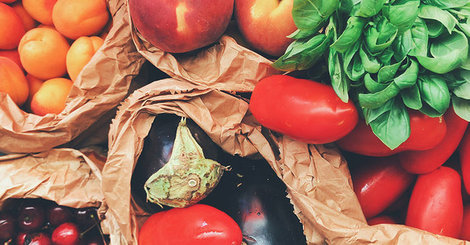 What fruits and vegetables are in season