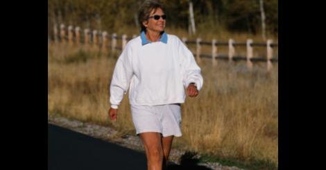 Brisk walks may help  not harm  arthritic knees