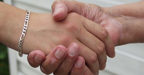 Holding hands support parent care old 1398258 960 720 stock
